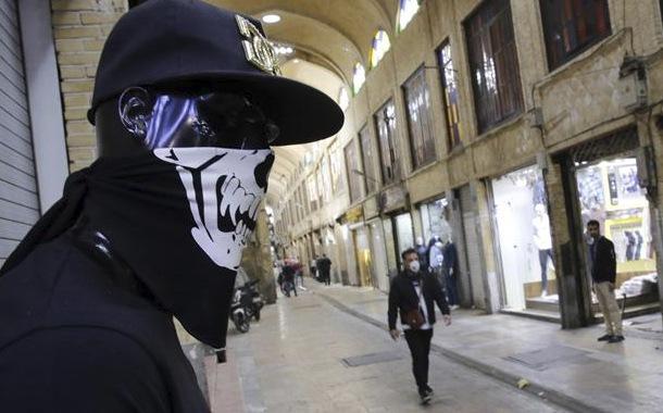 Muertes por coronavirus bordean las 1300 en Irán