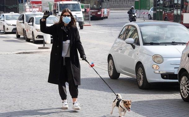 Italia recibe ayuda de EE.UU. y China para enfrentar al coronavirus