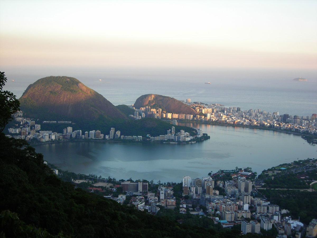 Rio de Janeiro suspende clases y espectáculos por coronavirus