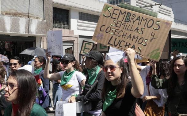 Marcha por el Día Internacional de la Mujer en Quito