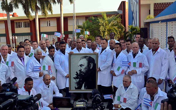 Sector de Argentina se opone a que su país reciba ayuda de Cuba en medio de la pandemia