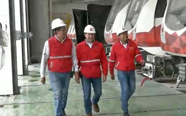 Tres jóvenes quiteños son los primeros operadores de los trenes del metro