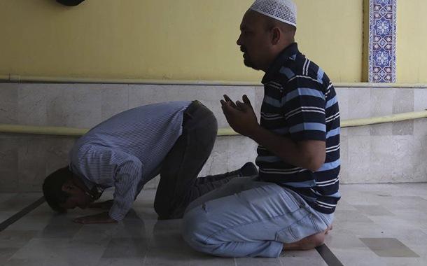 Mezquitas siguen abiertas en Pakistán pese a 1000 casos de coronavirus