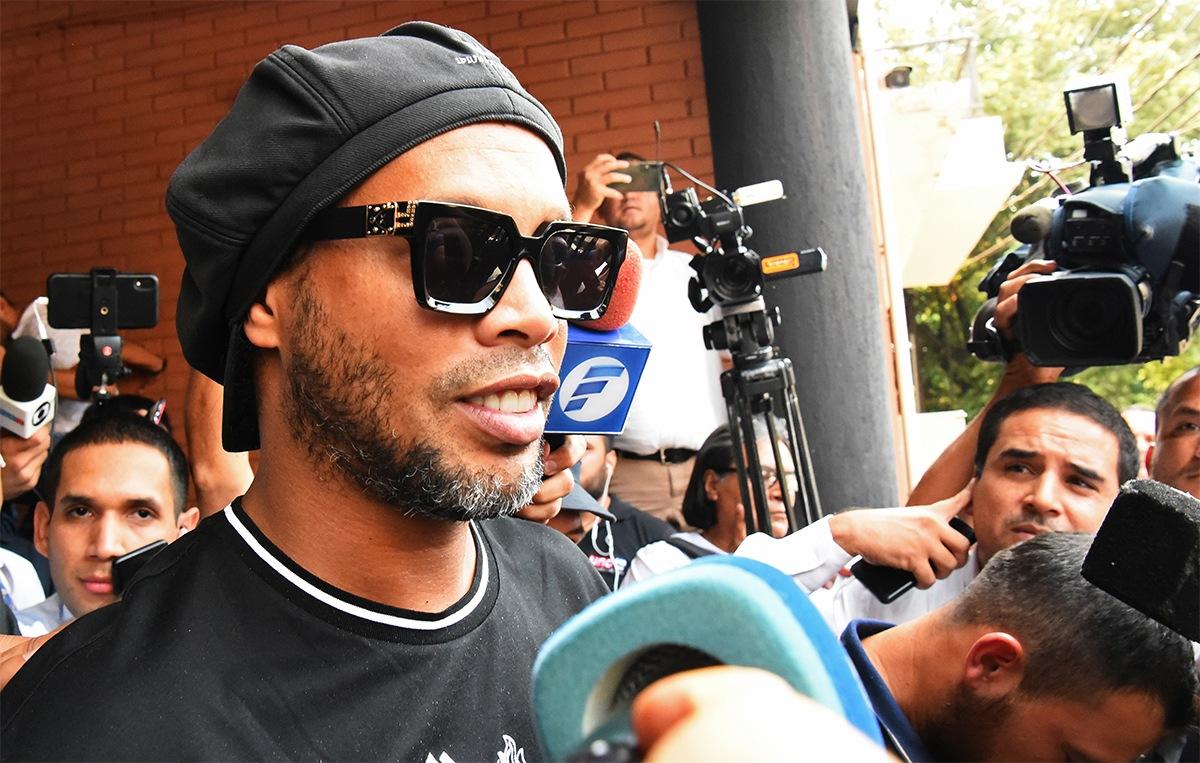 Ronaldinho recibió la grata visita de un amigo ¿de quién se trata?