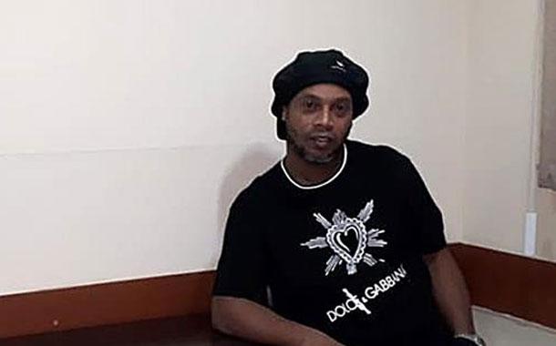 Ronaldinho enfrenta a la justicia paraguaya