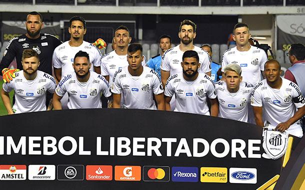 El Santos brasileño se consolidó como líder del Grupo G
