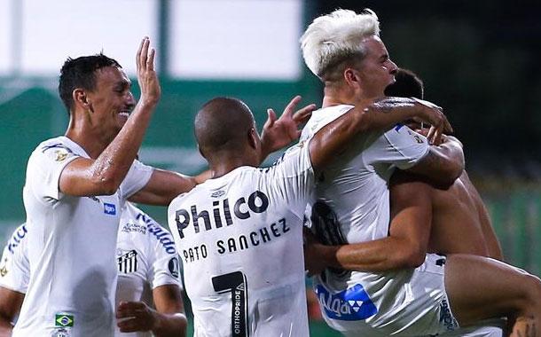 Santos derrotó a Defensa y Justicia