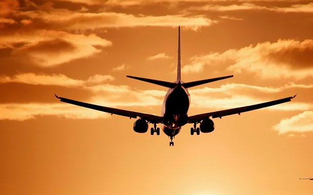 España, en conversaciones con Ecuador para permitir salida de 600 pasajeros