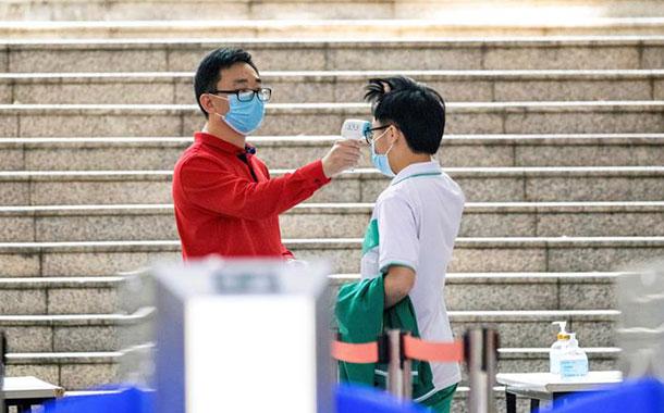China reporta cero hospitalizados por coronavirus en Wuhan