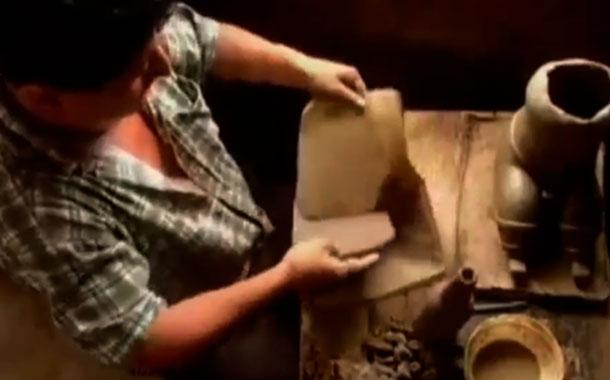 Artistas y artesanos subastan obras para ayudar durante la crisis
