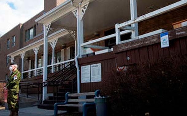 31 muertos y decenas de pacientes abandonados en una residencia de ancianos