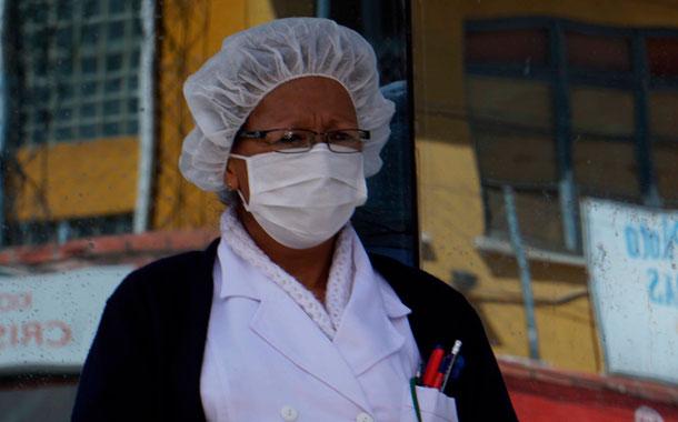 Autoridades de Bolivia prometen donar sueldos para ayudas por el COVID-19