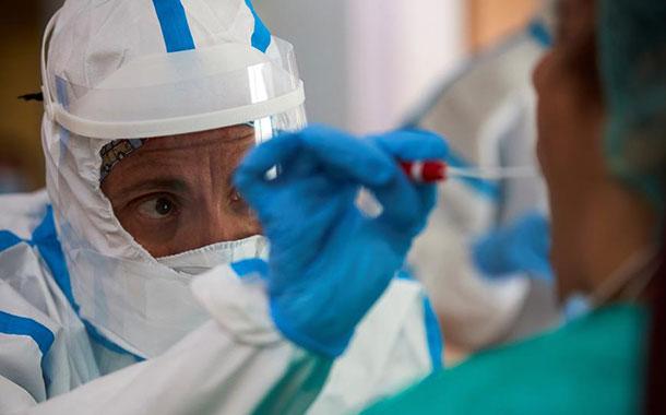 EEUU se convierte en el primer país en rebasar el millón de casos de Covid-19