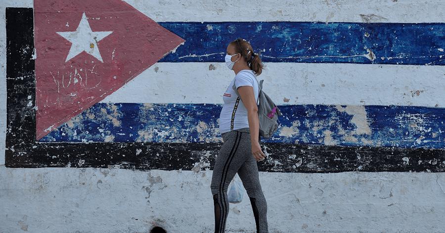 Cuba le apuesta a un tratamiento homeopático para subir defensas ante el coronavirus