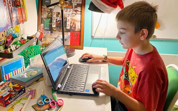 La educación en casa deja padres extenuados
