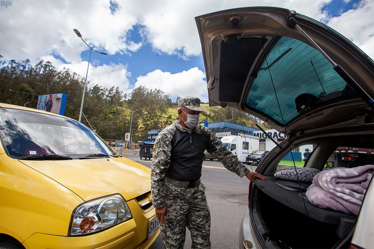 El comercio internacional entre Ecuador y Colombia no se paraliza