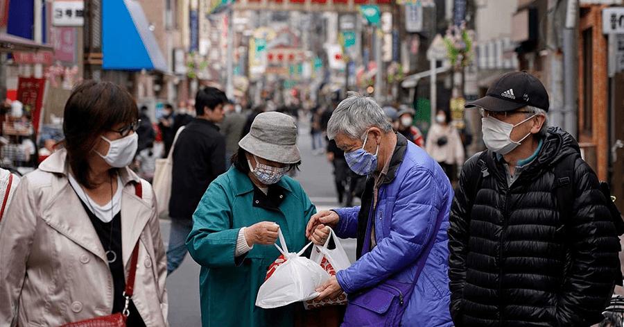Polémica: alcalde japonés pide que hombres hagan las compras porque las mujeres tardan mucho