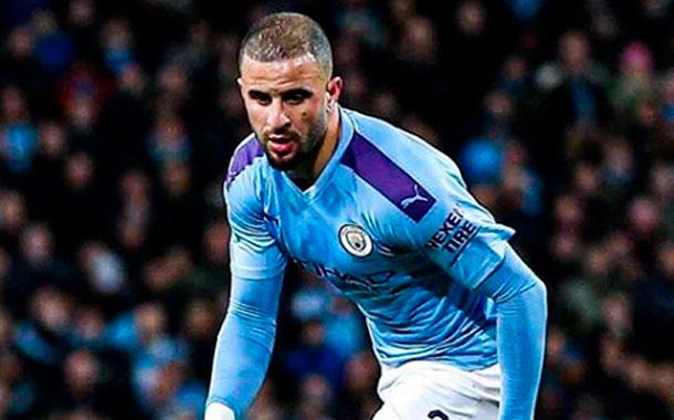 Manchester City sancionará a Walker por participar en una fiesta durante la cuarentena