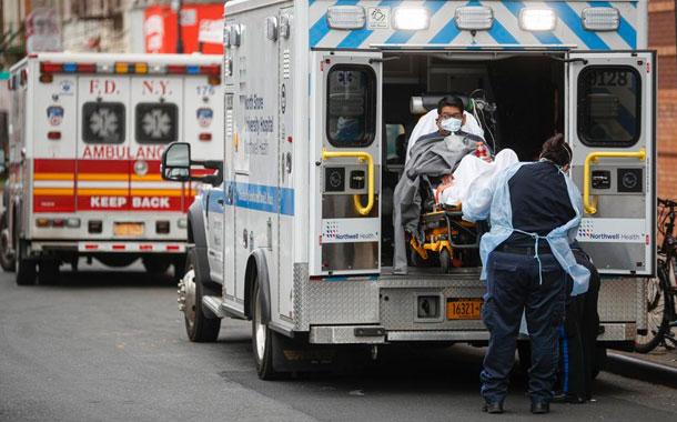 Muertes por covid-19 en NY superan 3.200