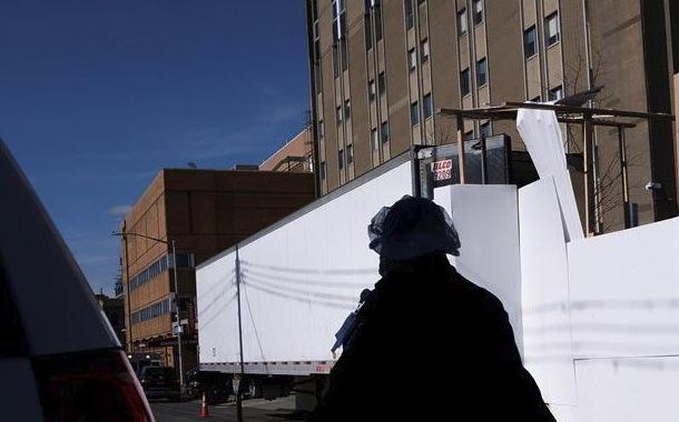 Nueva York prevé pico de casos al final de abril