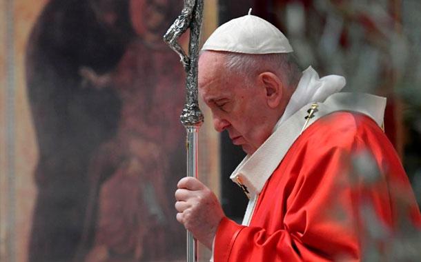 Papa insta a una tregua mundial y a perdonar la deuda de los países pobres