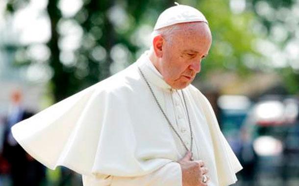 El papa pide a políticos que busquen el bien de sus países