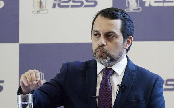 Paúl Granda presentó renuncia irrevocable al IESS