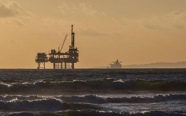 ¿Porqué cayó hoy el precio del petróleo?