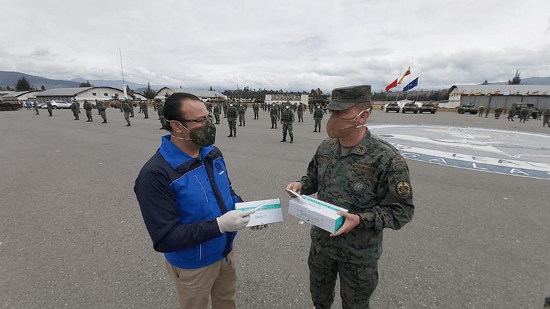 Municipio de Riobamba donó 200 pruebas rápidas de COVID-19 para personal militar