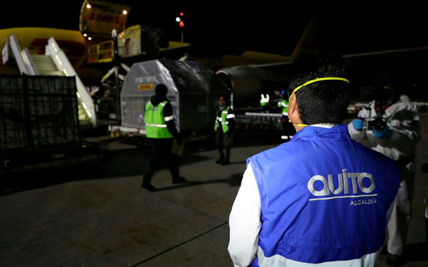 Llegan a Quito primeras 5 mil pruebas para detección de covid-19