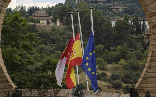 España inicia luto por las víctimas del Covid-19