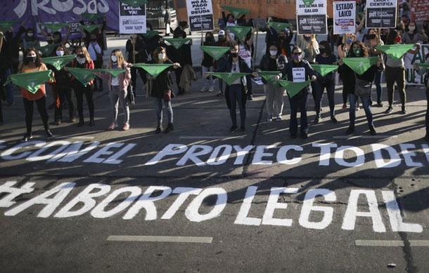 Pandemia no frena reclamo por aborto legal en Argentina
