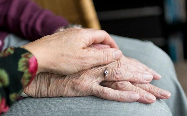 Mujer boliviana de 94 años vence al coronavirus