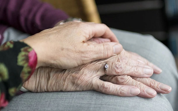 #PorTuSalud: COVID-19 y personas de la tercera edad