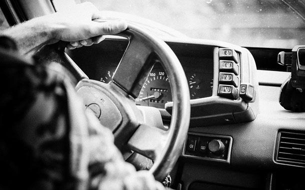 5 maneras prácticas de ganar dinero con tu automóvil