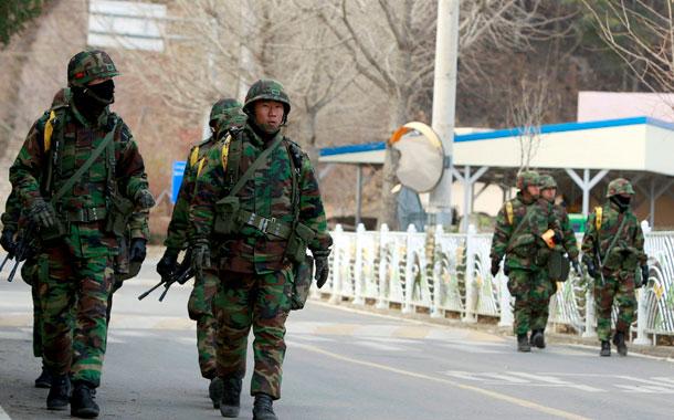 Las dos Coreas cruzan disparos en la frontera tras la reaparición de Kim