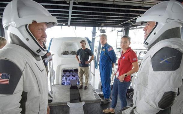SpaceX revive lanzamientos espaciales tripulados
