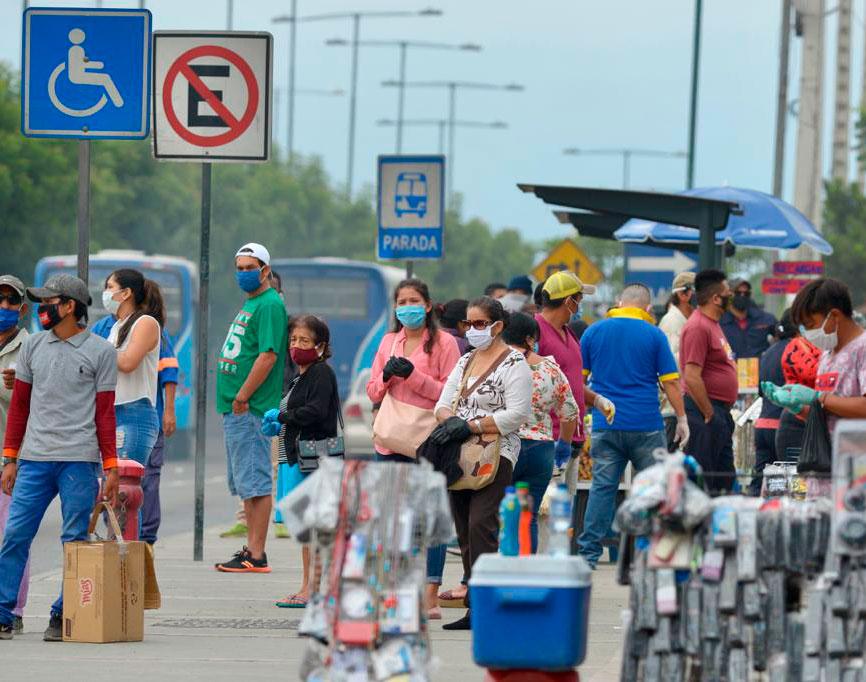 Comerciantes abren nuevamente sus negocios en Guayaquil
