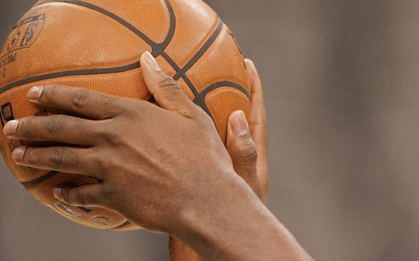 NBA busca alternativas para jugar con público