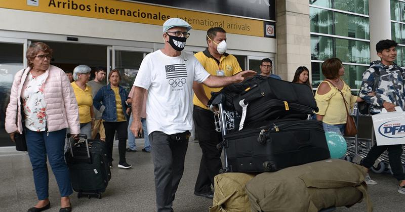 Viajeros que lleguen al país deben someterse hasta tres pruebas de COVID-19