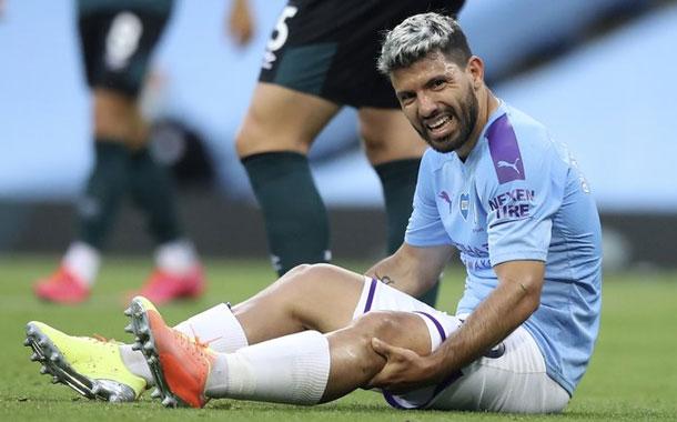 Lesión de Agüero preocupa en Man City tras golear a Burnley