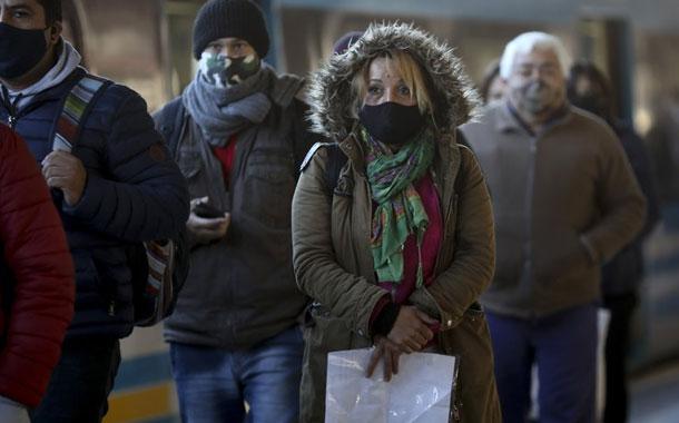Argentina prolonga y endurece la cuarentena por el COVID-19