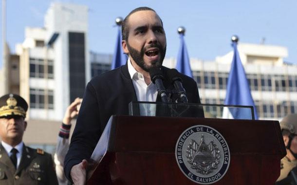 Político salvadoreño dice que Bukele busca