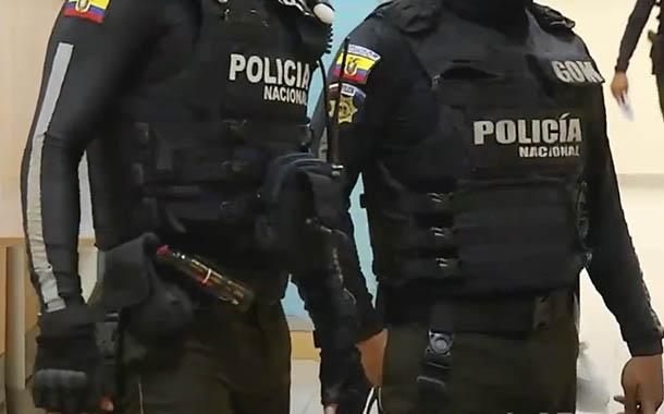 Cuatro policías detenidos acusador por concusión