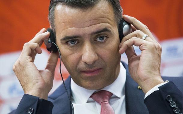 FIFA suspende a su exdirector de finanzas por 10 años