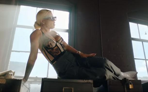 """Leslie Shaw estrena su nuevo sencillo """"Estoy soltera"""""""