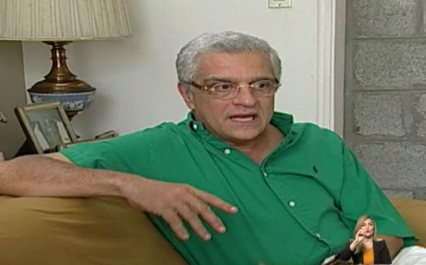 Alfredo Adum apareció en la política en 1984 junto a Abdalá Bucaram
