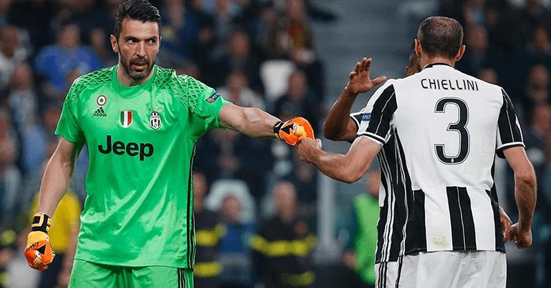 Buffon y Chiellini renuevan contrato por un año con la Juventus