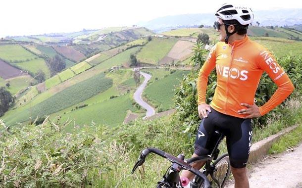 Carapaz acelera su entrenamiento con la mirada puesta en el Giro