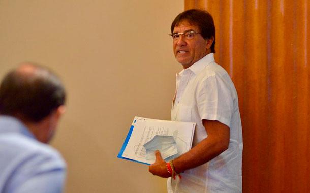 Prefecto Carlos Luis Morales habla de las irregularidades en contrataciones
